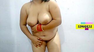 Junge indisch murmeln zeigen boobs und arsch zu ihrem freund