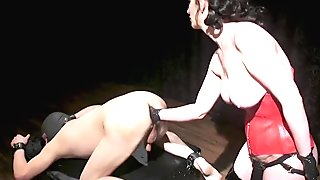 Cherry Torn enjoys the screams of slave marcelo as she doles out pain